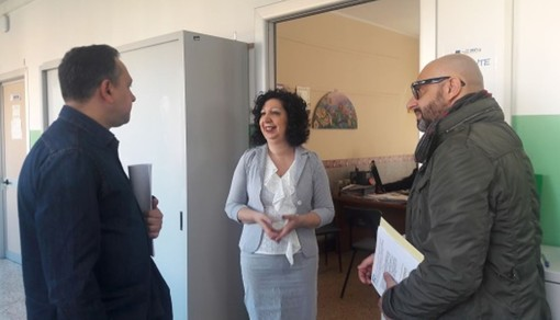 Alpignano, inspection of the Five Star Movement councilors in schools